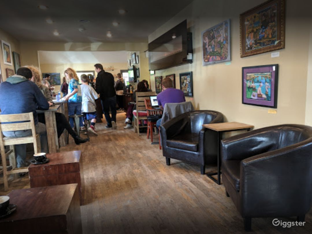 Warm and Welcoming Indoor Café in Issaquah Photo 1