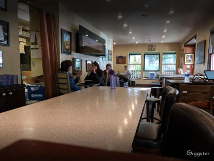 Warm and Welcoming Indoor Café in Issaquah Photo 5