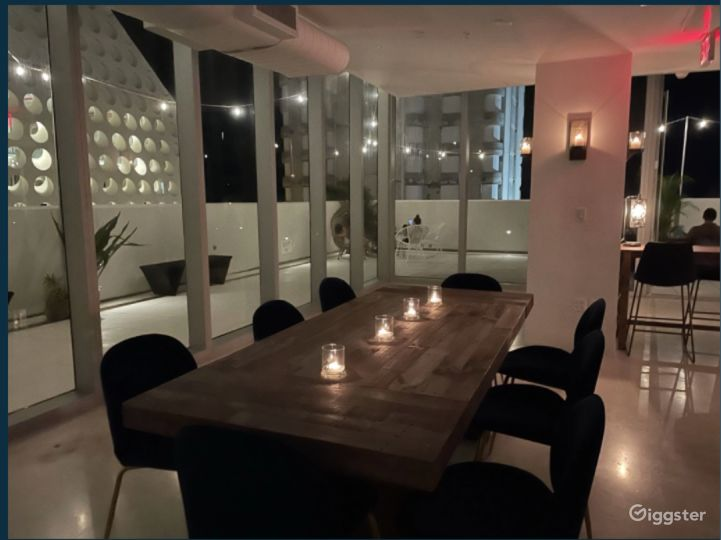 Chic Penthouse with Wrap Around Rooftop in Miami Photo 5