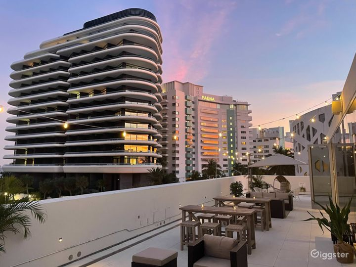Chic Penthouse with Wrap Around Rooftop in Miami Photo 3