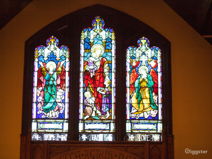 The chapel has stunning stain glass windows that date back to 1909