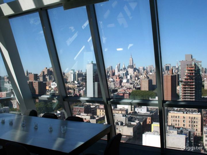 Incredible penthouse duplex: Location 4213 Photo 2