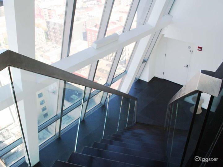 Incredible penthouse duplex: Location 4213 Photo 4