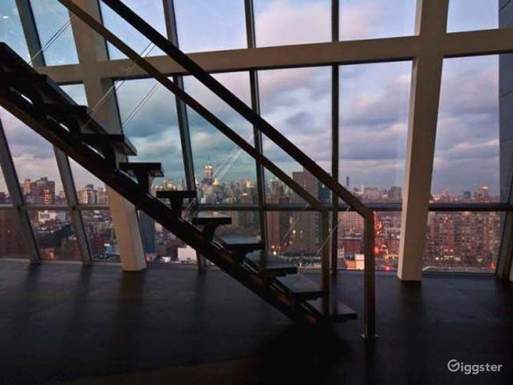 Incredible penthouse duplex: Location 4213 Photo 5