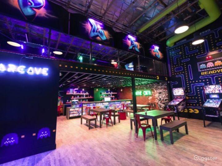 Retro gaming arcade venue for all occasions Photo 2