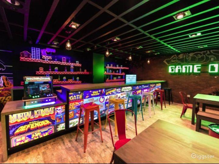 Retro gaming arcade venue for all occasions Photo 4