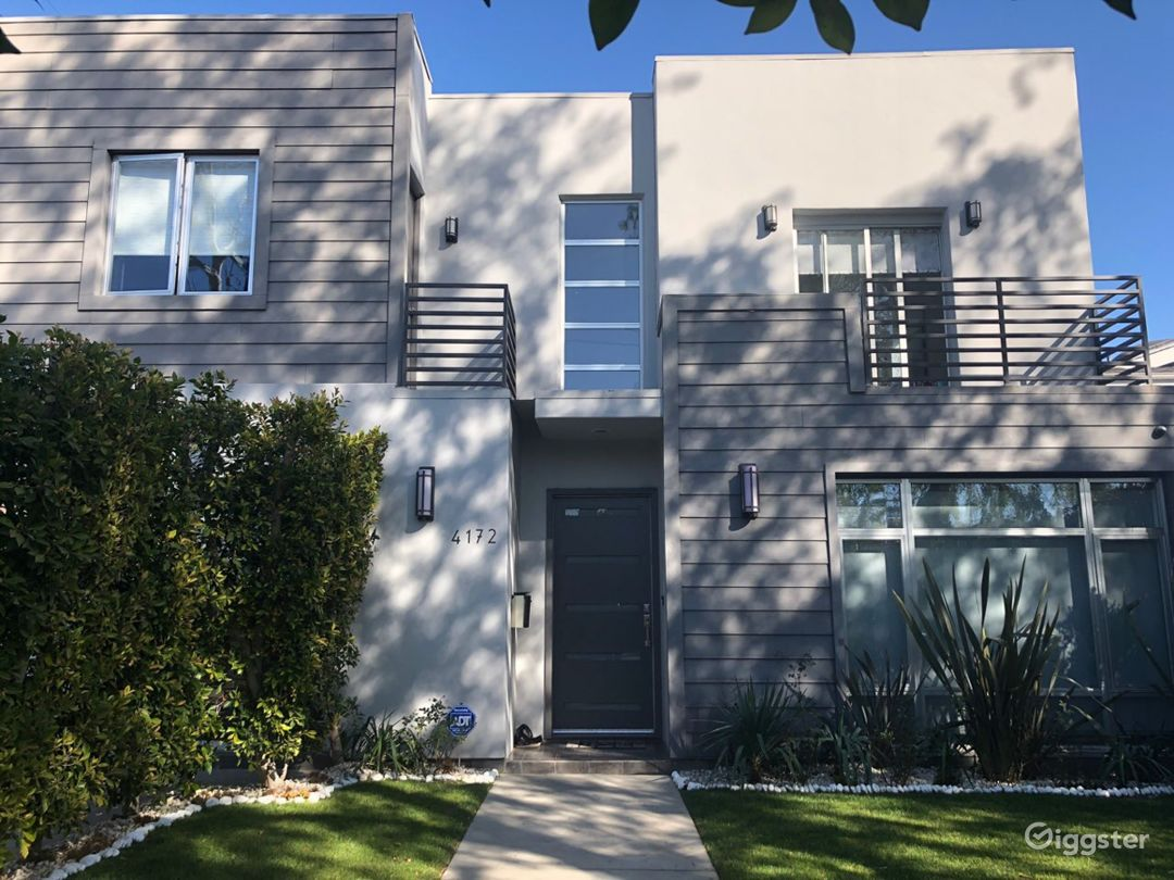 MODERN HOUSE IN STUDIO CITY Photo 1