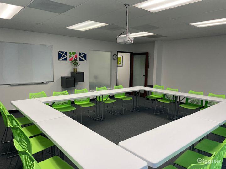 Flexible Meeting / Classroom Creative Space Photo 2
