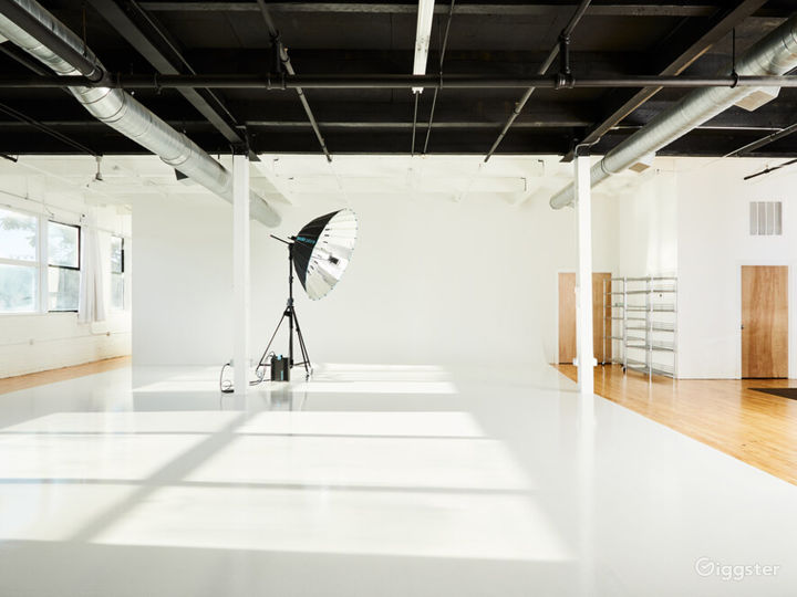 Buy Out Rental - Entire Studio for Photography Photo 3