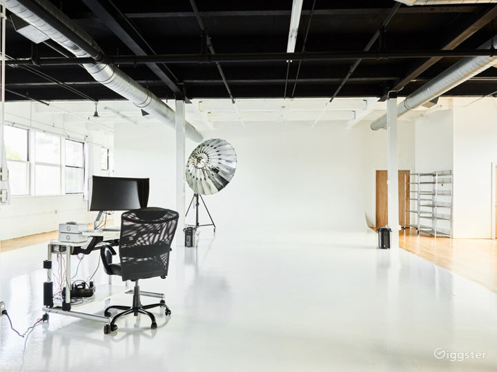 Buy Out Rental - Entire Studio for Photography Photo 4