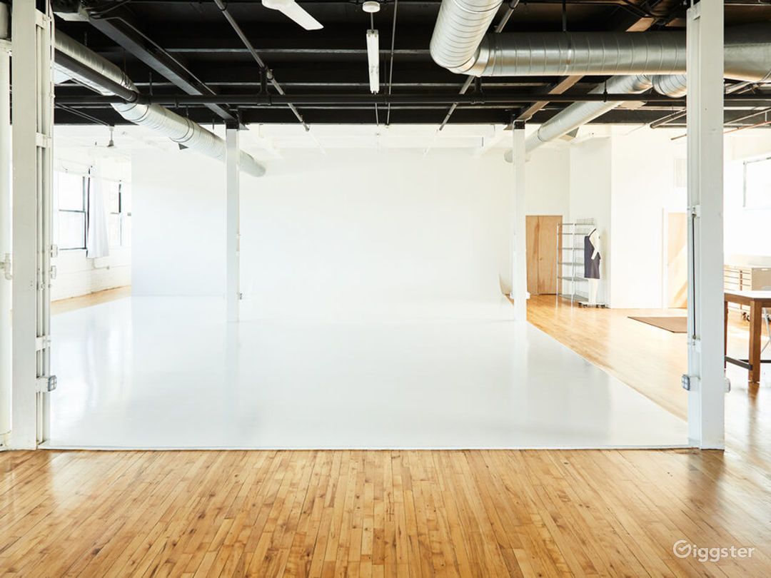 Buy Out Rental - Entire Studio for Photography Photo 1