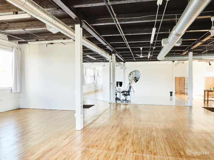 Buy Out Rental - Entire Studio for Photography Photo 5