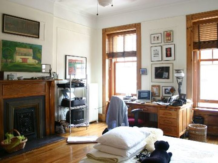 Brownstone with original details: Location 3326 Photo 3