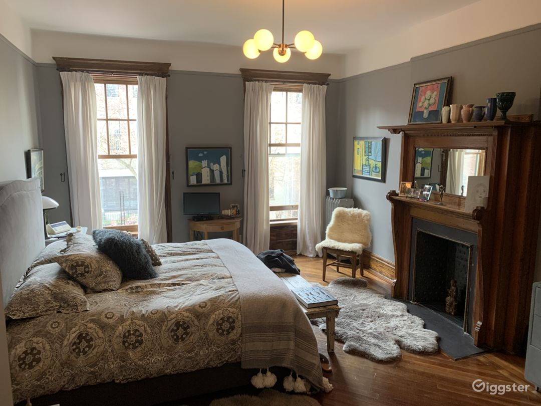 Brownstone with original details: Location 3326 Photo 1