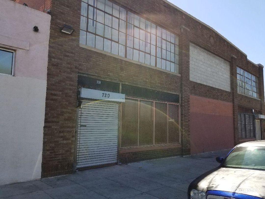 Artsy natural skylight warehouse. Photo 1