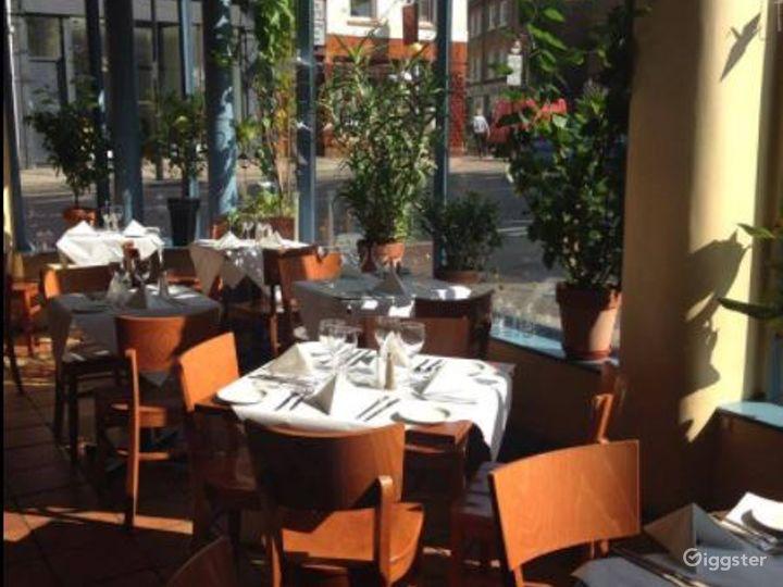 Amazing Ground Floor French Restaurant in London Photo 3