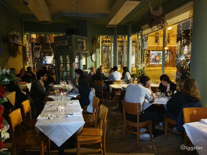 Amazing Ground Floor French Restaurant in London Photo 2