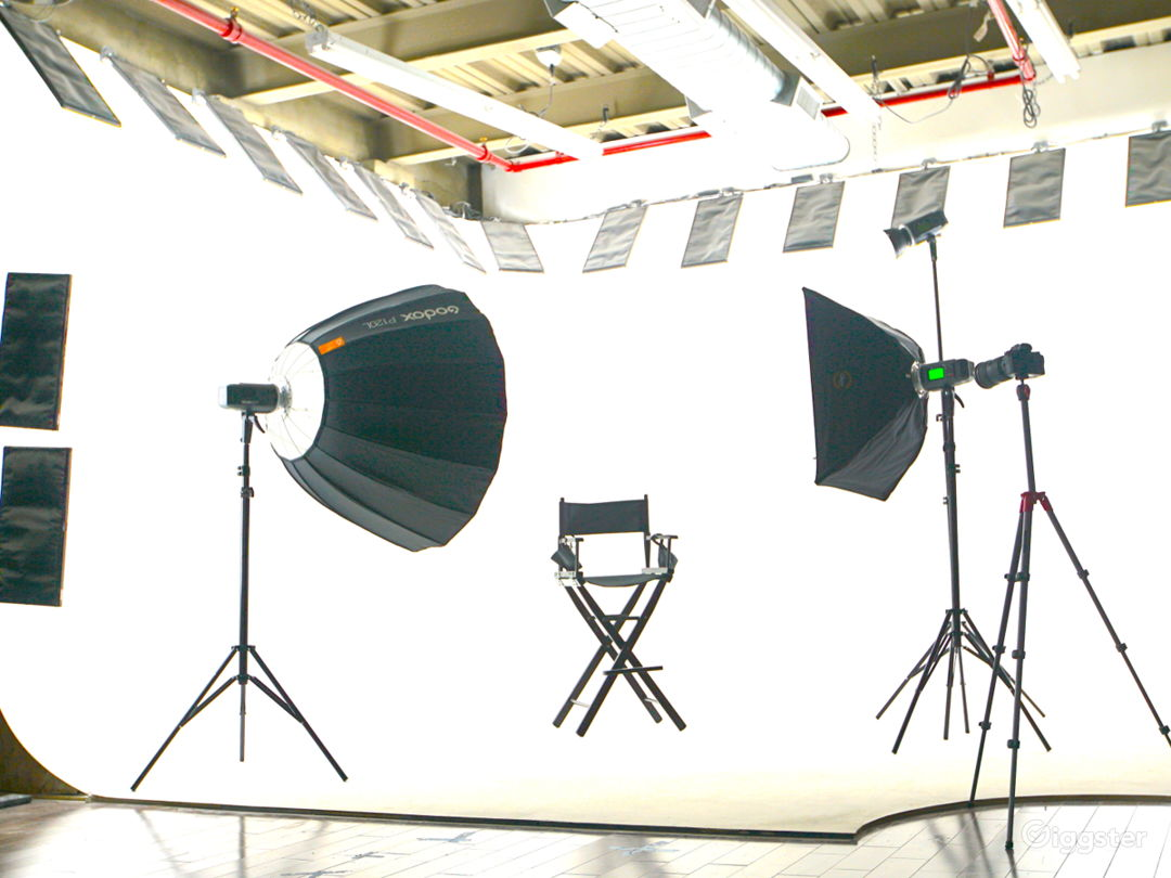 Modern-Industrial Photo & Video Production Studio Photo 2