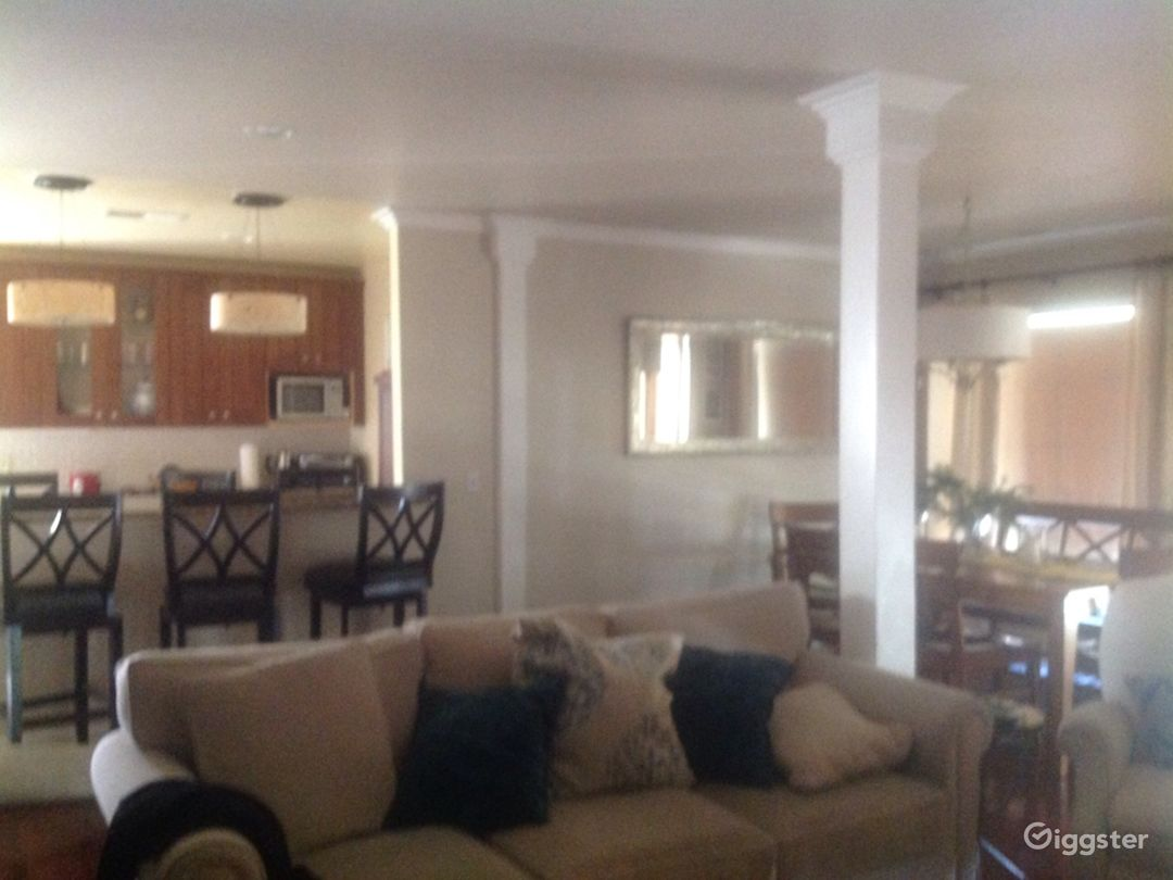 Basic middle class home in West Covina Suburbs.   Photo 3