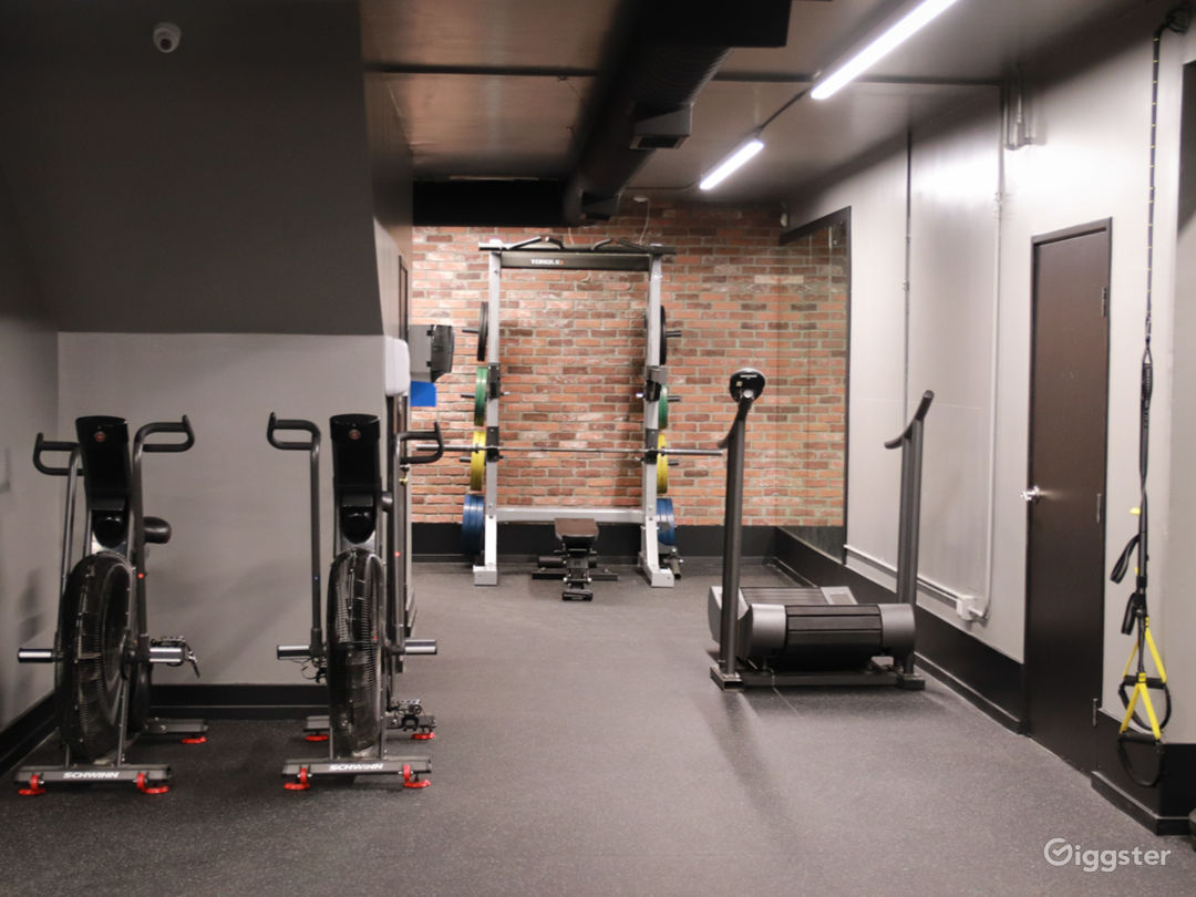 1400 sqft. Private Studio Photo 5