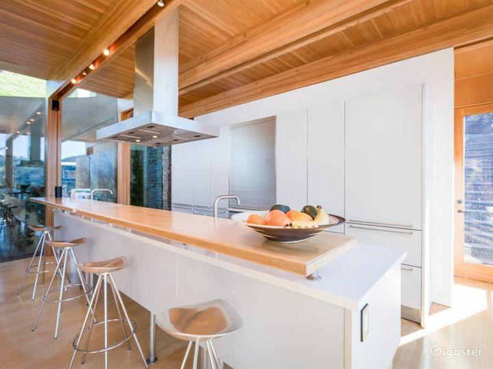 Modern Architectural Home With Sweeping Views Photo 5