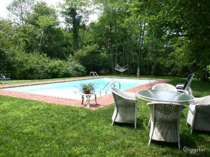 Hamptons shingled traditional home: Location 4086 Photo 5