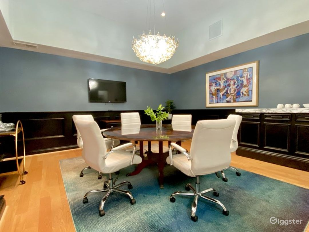 Well-equipped Meeting Room in Los Angeles Photo 1