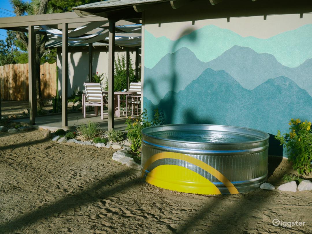 Desert Valley Vista: Mid-Century Ranch Oasis Photo 3