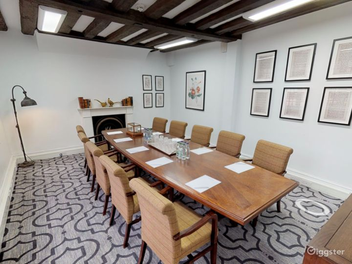 Intimate Terrace Suite in Dorking Photo 3