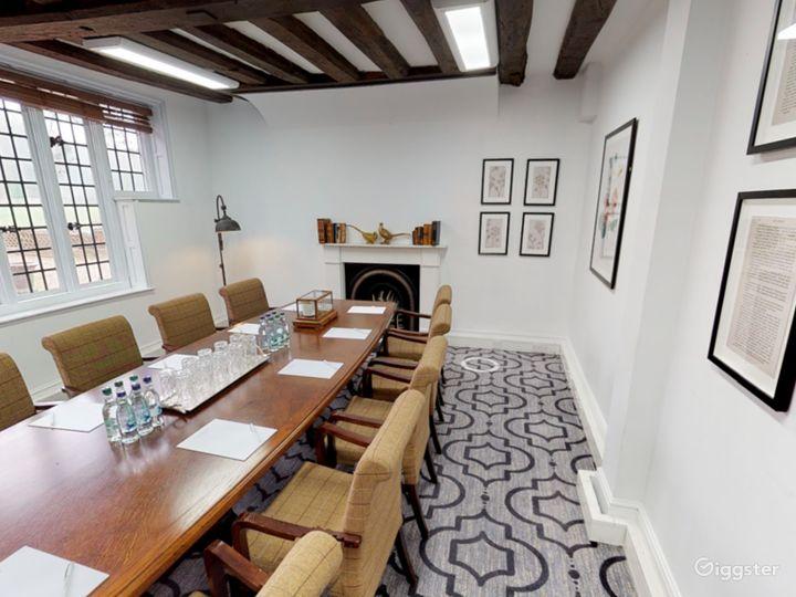 Intimate Terrace Suite in Dorking Photo 5