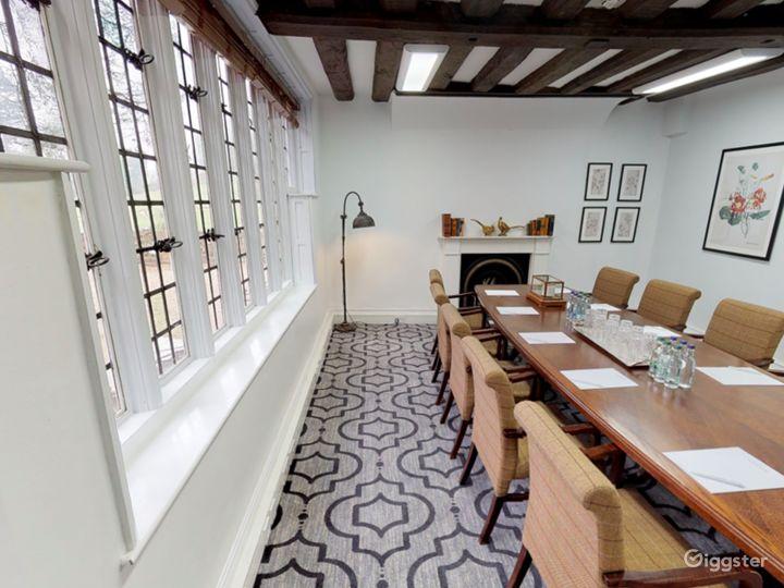 Intimate Terrace Suite in Dorking Photo 4