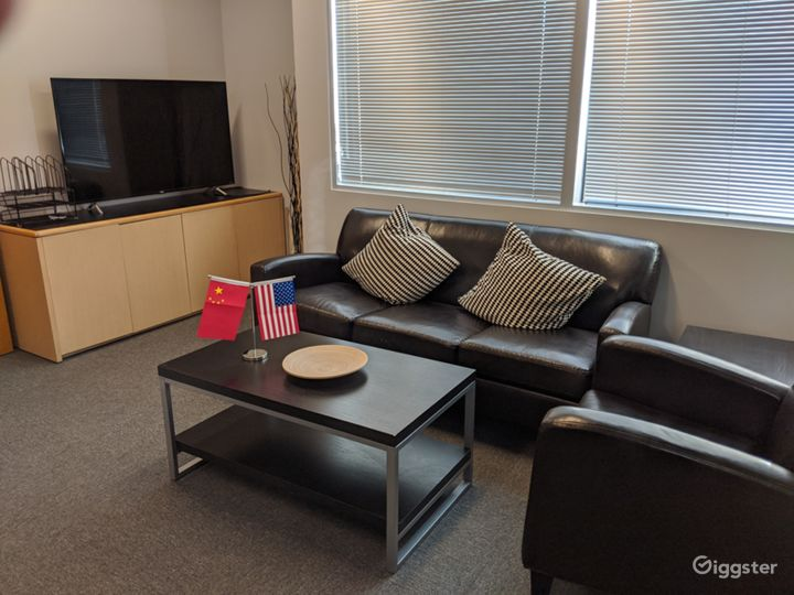 Private Office 204-A in Burbank Photo 2