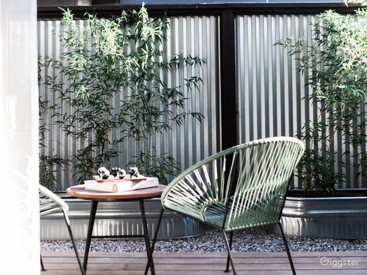 Naturally Elegant Space with Outdoor Patio - Earth Room Photo 3