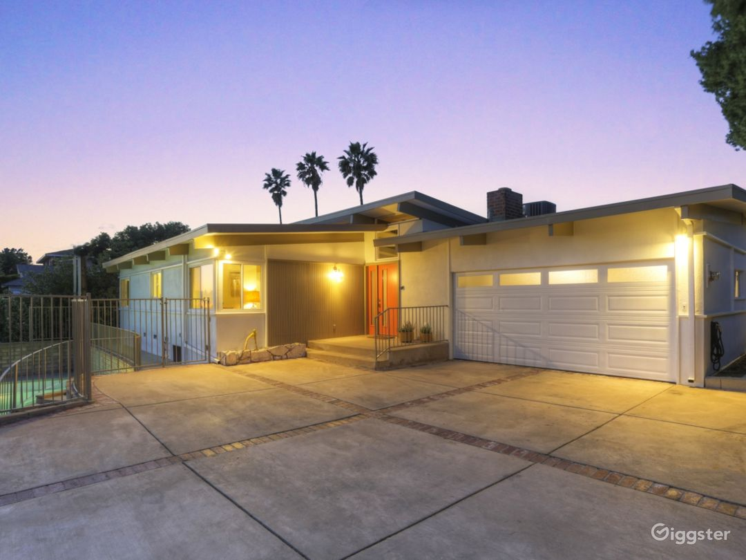 1959 Original Restored Mid-Century Modern House with Pool and Views