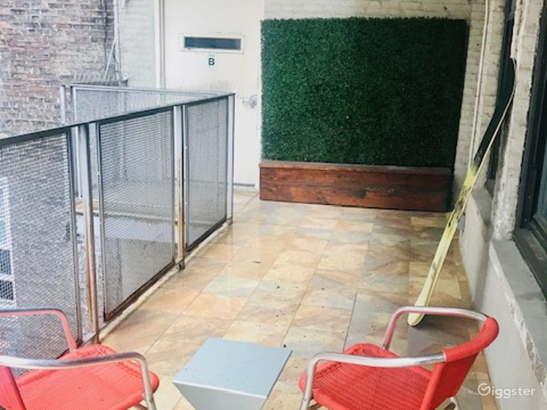 1 Bedroom Condo/Loft Space With  Outdoor Balcony Photo 3