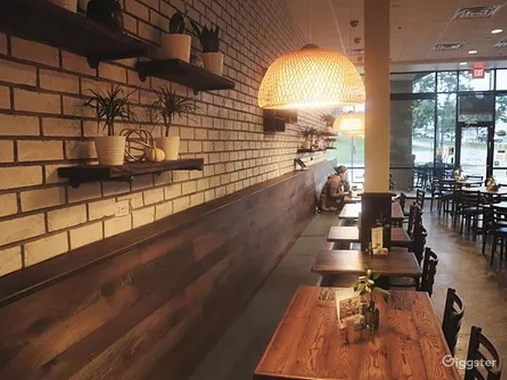 Cozy/modern cafe Photo 3