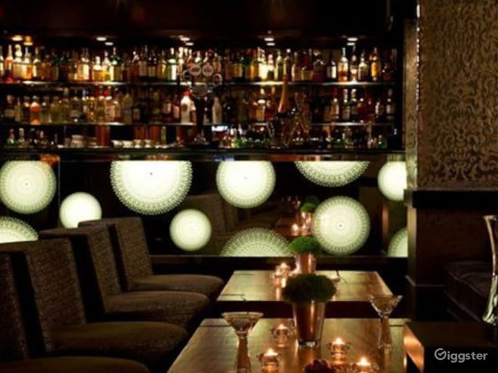 Extravagant Bar in London, Heathrow  Photo 4