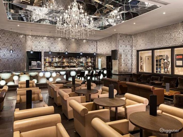 Extravagant Bar in London, Heathrow  Photo 2
