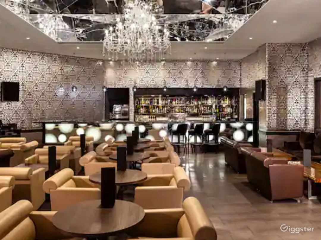 Extravagant Bar in London, Heathrow  Photo 1