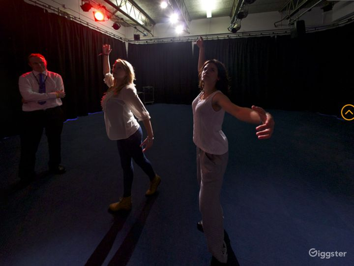 Atmospheric Drama Studio in London Photo 4