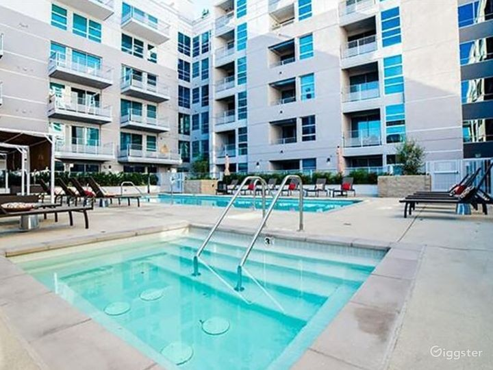 Community Pool in LA Photo 4