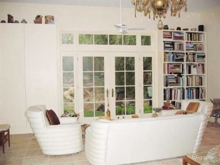 Large pretty suburban home with pool: Location 4038 Photo 2