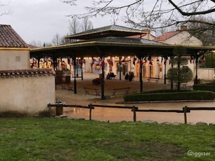 Belle Époque Town - Traditional European Village  Photo 5