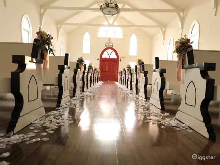The Little White Church Photo 2