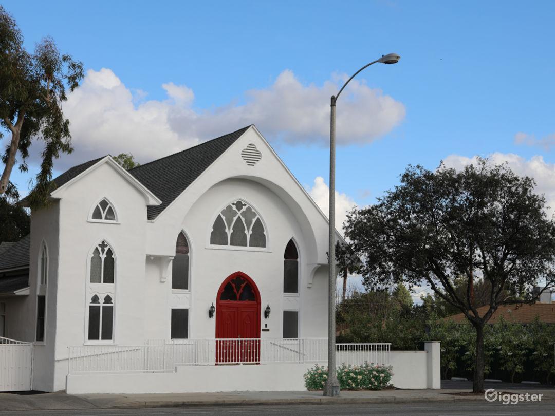 The Little White Church Photo 1