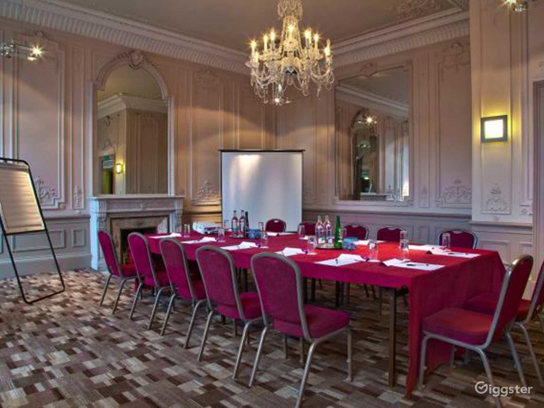 Grand & High-ceilinged Adams Suite in Edinburgh Photo 1