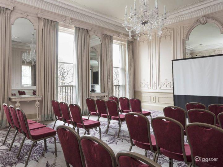 Grand & High-ceilinged Adams Suite in Edinburgh Photo 2