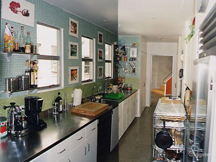 Contemporary light spacious home: Location 2819 Photo 2