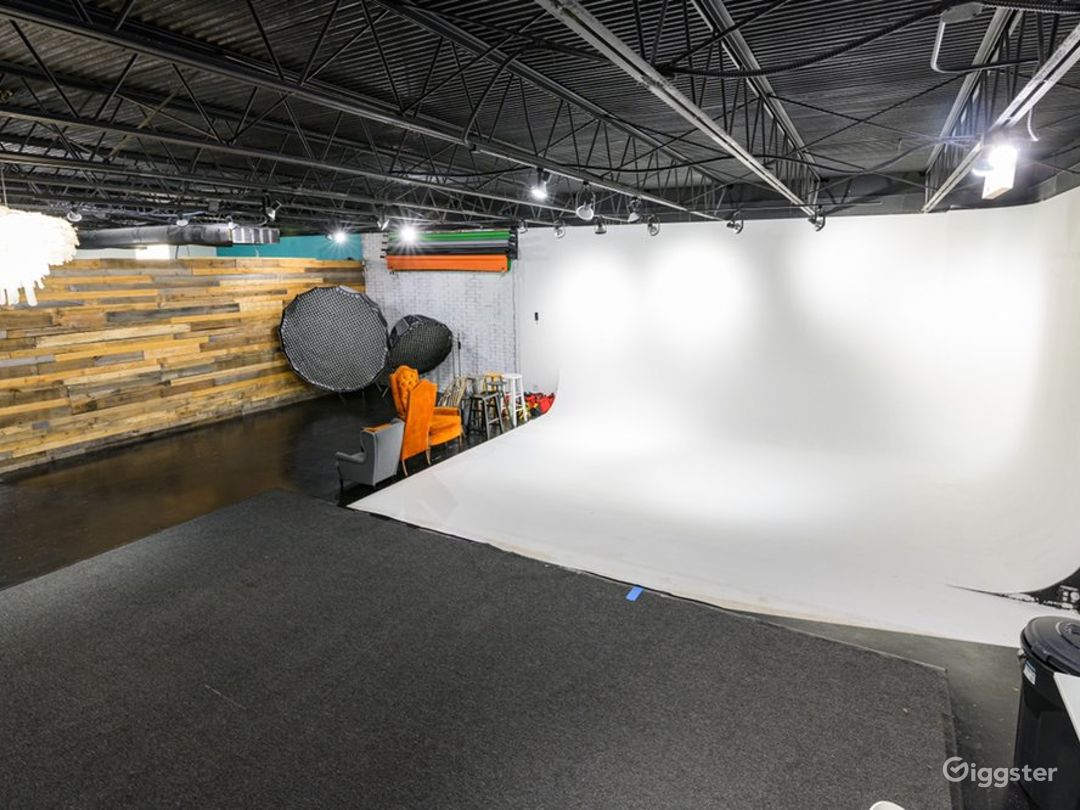 Fully Equipped Studio in Orlando Photo 1