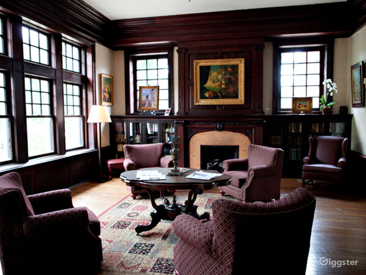 Library of Mansions on Fifth Hotel